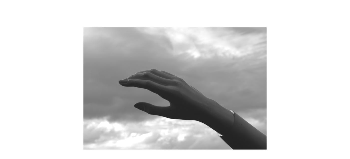 Serie_I_hands